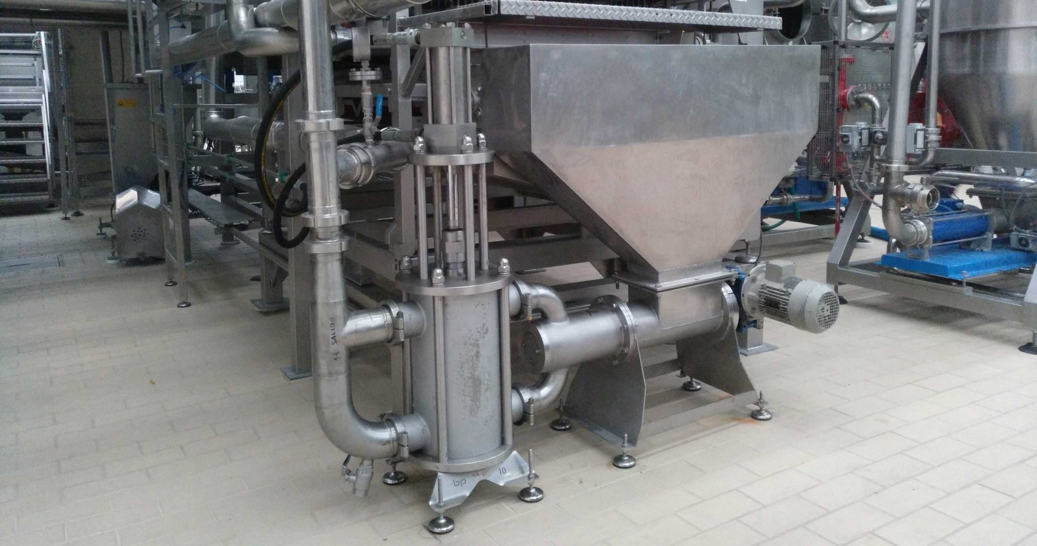 HRS BPSC - Positive Displacement Piston Pump with Screw Conveyor